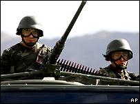 Turkish troops on patrol near Iraqi border in Sirnak province - 8/11/2007