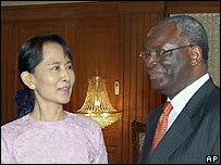 Aung San Suu Kyi with Ibrahim Gambari on 8 November 2007