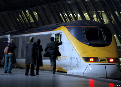 A man runs to catch the final Eurostar train from Waterloo