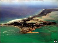 احدى جزر جمهورية كريباتي في المحيط الهادئ