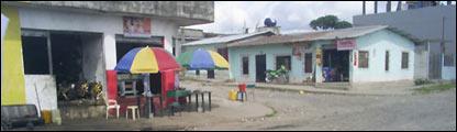 Barrio deprimido de Ecuador, donde viv�a una v�ctima de trata con fines de explotaci�n. Foto cortes�a de la Fundaci�n Nuestros J�venes.