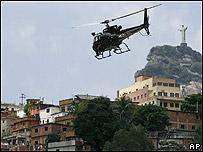 Helicóptero de la policía brasileña
