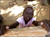 Sudanese refugee girl 