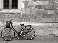 Una bicicleta.