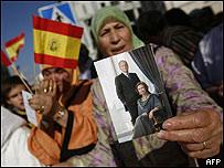 Mujeres durante visita de Juan Carlos I de España a Melilla