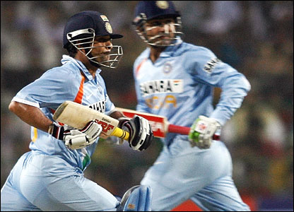Tendulkar and Sehwag run between the wickets