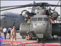 طائرات عسكرية في معرض دبي