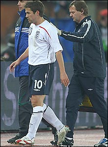 England striker Michael Owen has to go off with a thigh injury against Austria