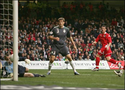 Jason Koumas gives Wales the lead in their Euro 2008 qualifier with the Republic of Ireland in Cardiff