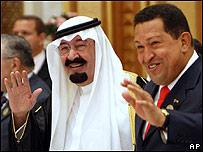 Hugo Chávez (izq) y el rey Abdala de Arabia Saudita