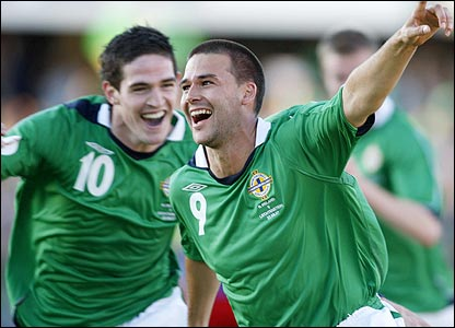 Kyle Lafferty and David Healy hit the net against Liechtenstein