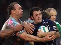 Brian Liebenberg (left) tackles Rob Higgitt
