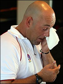 An emotional Darren Lehmann announces his retirement