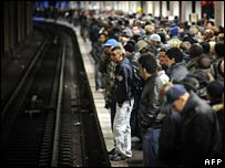 Crowds on platform at Paris Gare du Nord metro station