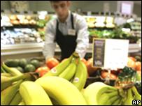 Venta de bananas en un supermercado
