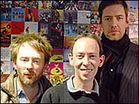 Thom Yorke (l), Steve Lamacq (c) and Ed O'Brien