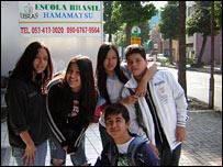 Jóvenes brasileños en Hamamatsu.
