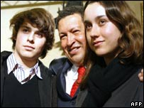 Ms Betancourt's son and daughter meet President Chavez in Paris on 20 November