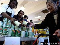 Food handouts at Thanksgiving