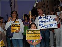 Manifestaci�n para rechazar la violencia contra las mujeres
