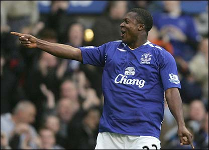 Yakubu scores the opener for Everton