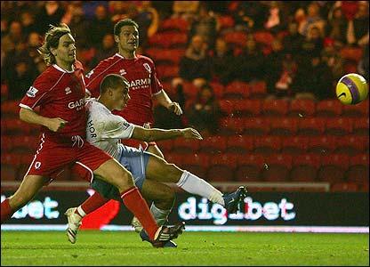 Gabriel Agbonlahor fires Villa into a 3-0 lead
