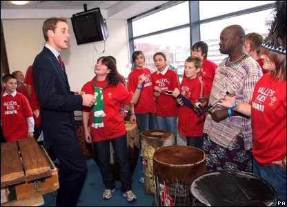 Prince William with a South African band Amampondo and a south Wales charity Valleys Kids.