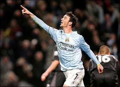 Stephen Ireland celebrates scoring the winner for Manchester City