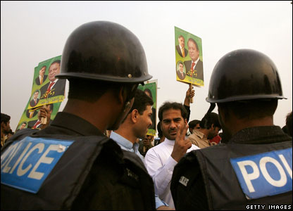 Police and supporters of Mr Sharif