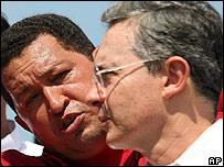 Hugo Chávez y Álvaro Uribe, presidentes de Venezuela y Colombia