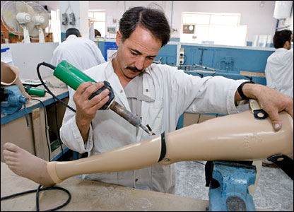 Manufacturing a prosthetic leg