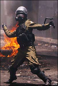 Policía enfrenta disturbios en Sucre.