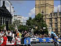 Crowds in London for the race