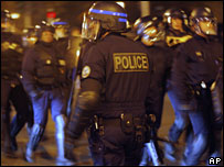 Riot police in Villiers-le-Bel, 27 November 2007