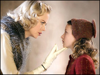 Nicole Kidman as Mrs Coulter and Dakota Blue Richards as Lyra Belaqua