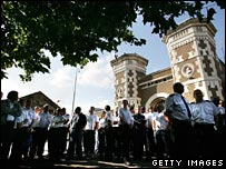 Prison officers on strike in August