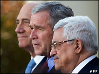 Ehud Olmert, George W Bush, Mahmoud Abbas (left to right) at White House - 28/11/2007