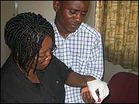 Kennedy Gondwe takes his HIV test