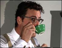 Profesor tomando té