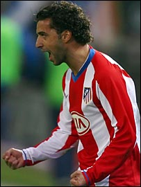Sabrosa Simao celebrates Atletico's second goal