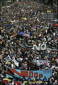 Protesters hold a rally in Caracas against constitutional changes planned by Venezuela's president