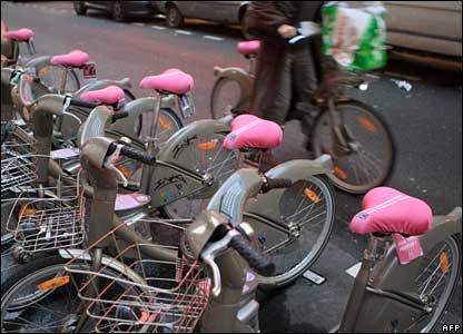 Seat covers of rental bicycles in Paris, 30 November 2007