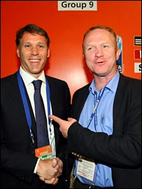 Dutch coach Marco van Basten with former Scotland boss Alex McLeish