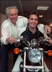 Evel Knievel with his son Robbie Knievel (14/04/1989)
