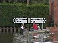 Boat rescue on the A38