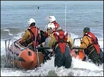 Search for missing canoeist John Darwin