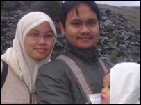 Kamil Sued and family