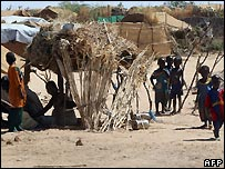 Darfur refugees in camp in eastern Chad - 17/11/2007