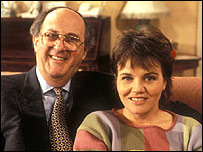Anton Rodgers and Lesley Dunlop in May To December, 1990
