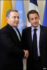 Álvaro Uribe y Nicolas Sarkozy. (Foto de Archivo).